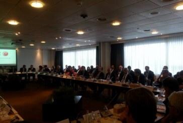 Zeybekci, Hollandalı Üst Düzey Şirket Yöneticileriyle Buluştu
