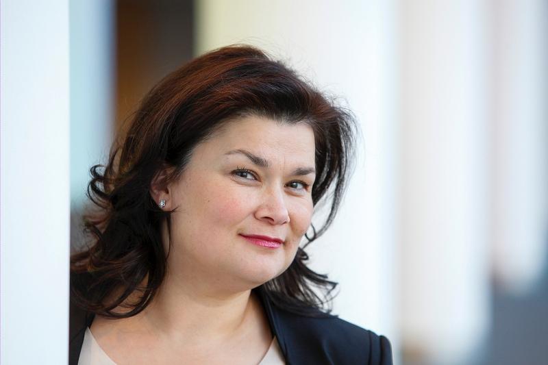 Deneyimli politikacı Emine Bozkurt PvdA'dan Milletvekili adayı