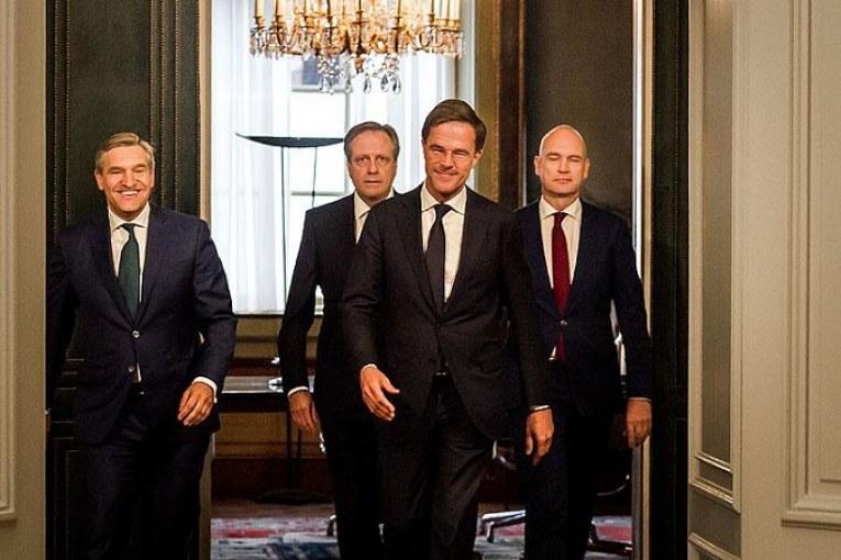 Hollanda'da 3'ncü Rutte Hükümeti işbaşında
