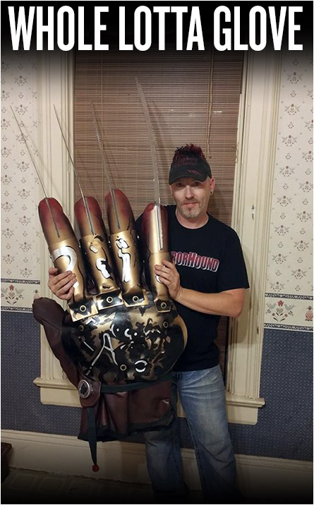 Giant Freddy Glove