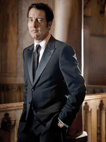 Clive-Owen-wearing-the-Jaeger-LeCoultre-Gyrotourbillon-1.-Credit-Jaeger-LeCoultre,-Fabrice-DALL'ANESE-(2)