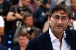 epa04751083 British director Asif Kapadia poses during the photocall for 'Amy' at the 68th annual Cannes Film Festival, in Cannes, France, 16 May 2015. The movie is presented in the section Midnight Screening of the festival which runs from 13 to 24 May.  EPA/IAN LANGSDON