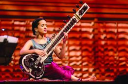 EACY3P The Indian sitar player Anoushka Shankar, concert hall of the KKL, Lucerne, Switzerland