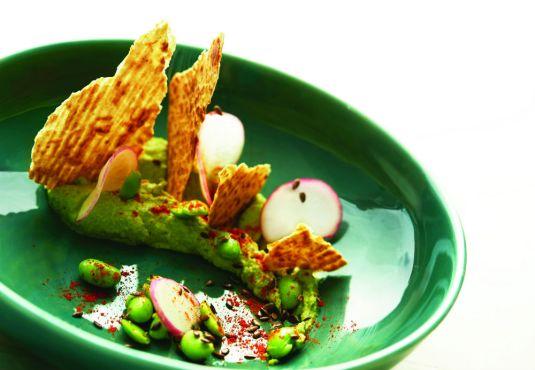 Edamame Hummus with Khakhra
