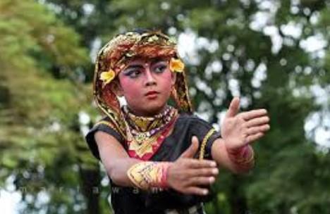 Kenali Kesenian Tari Gopala Bali yang Populer