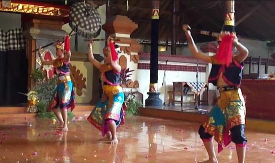Kesenian Tari Wirayuda dari Bali yang keren sekali