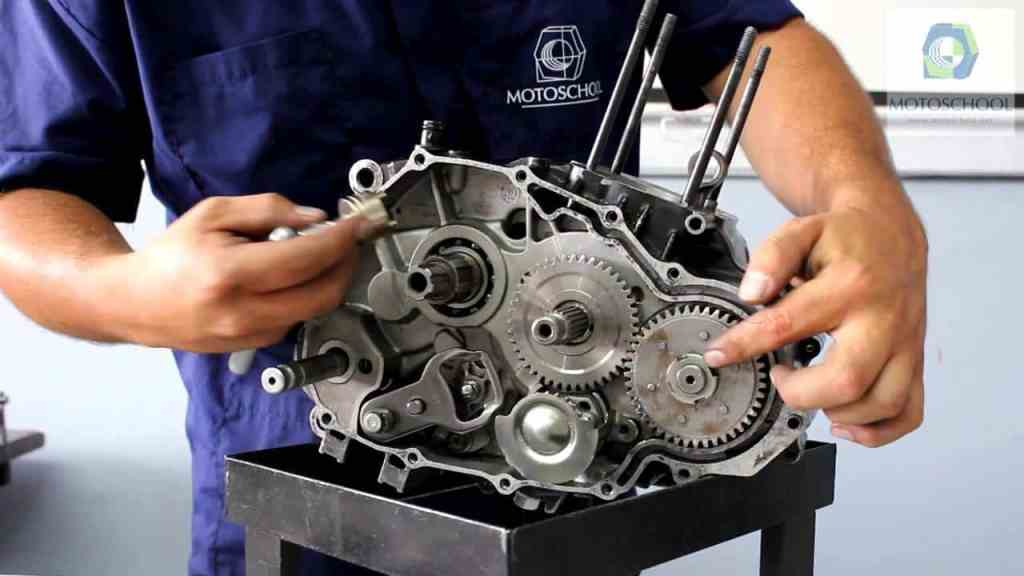 Manual Moto Kawasaki ZZR 1100 Reparación Transmisión