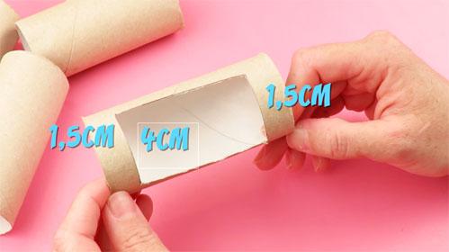 Organizador de escritorio con rollos de papel higienico