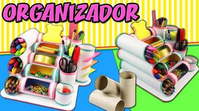 Organizador de escritorio con rollos de papel higiénico