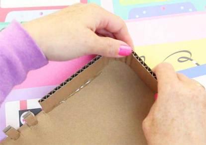 pegar carton con silicona caliente