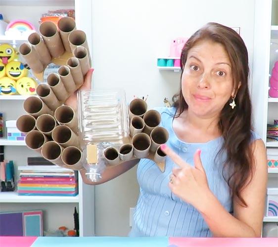 trabajos de reciclaje con botellas
