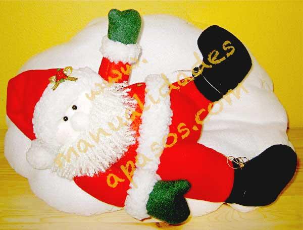 cojín navideño hecho en fleece