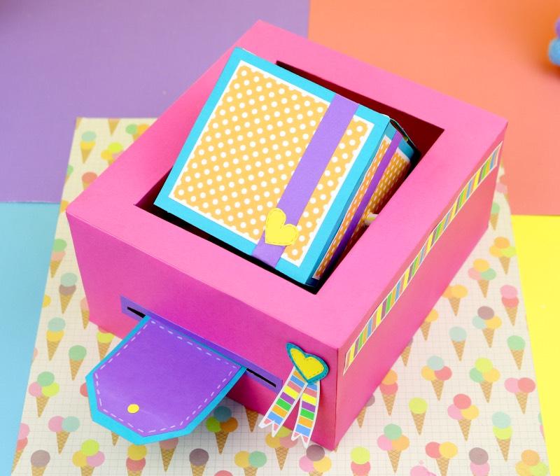 Caja con regalo escodido