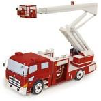 Papercraft imprimible y armable de un Camión de bomberos con escalera. Manualidades a Raudales.