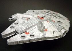 Papercraft imprimible y armable de Halcon Milenario de Star Wars. Manualidades a Raudales.