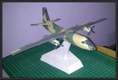 Papercraft imprimible y armable del avión Fokker F27. Manualidades a Raudales.