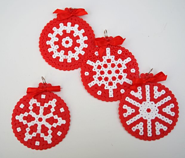 Ideas para hacer con cuentas hama Adornos de Navidad