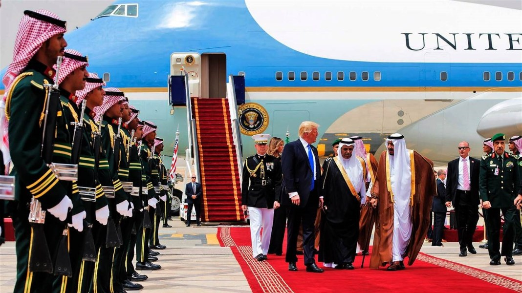 Saudi Arabia to sign $200bn worth of deals with US companies