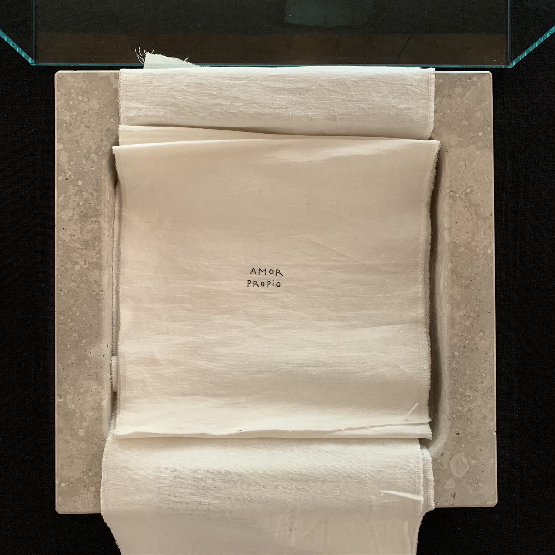 Libro-piedra 'Amor propio': Portada