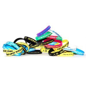 Silicone-wristbands_custom pullup cords debossed skydiving