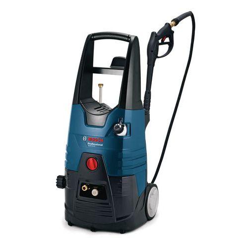S vysokotlakovým čističom Bosch umyjete chodníky, retardéry, schody a pod.