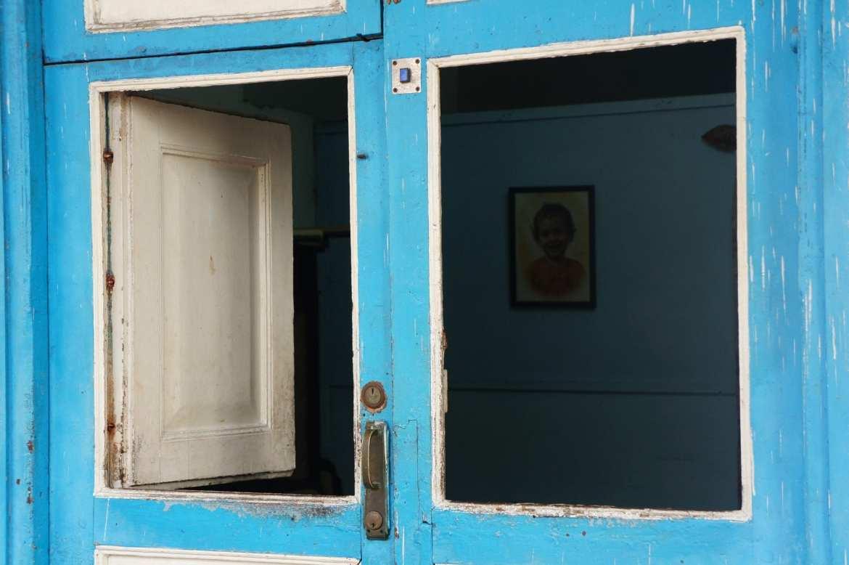 doorway in cienfuegos, cuba