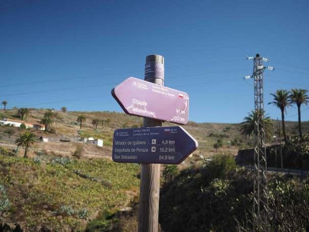 Panneau de direction pour monter en haut du sommet de la Fortaleza.