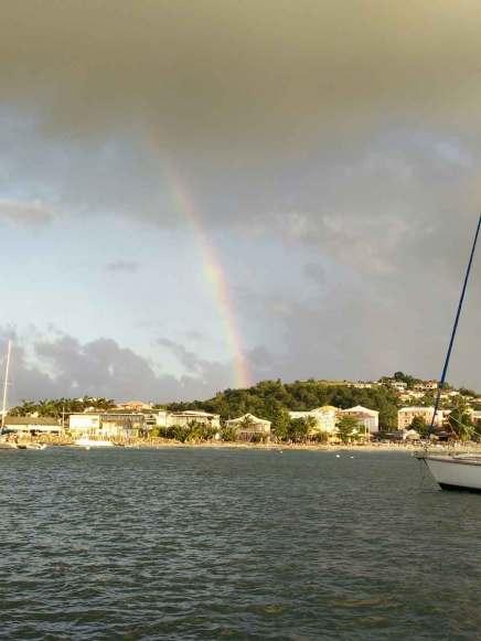 Arc-en-ciel dans l'Anse Mitan, en Martinique.