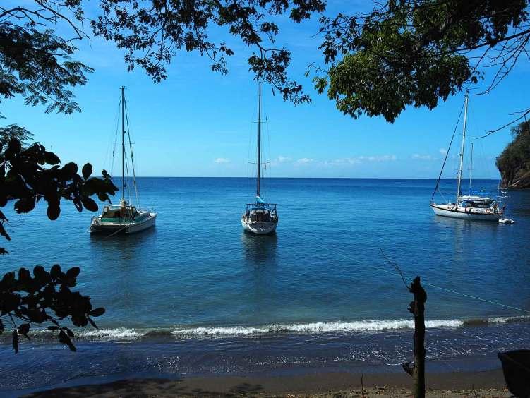Manwë fièrement amarré à Wallilabou Bay sur l'île de Saint Vincent.