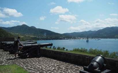 Vue sur Prince Rupert Bay en Dominique, depuis le Fort Shirley.