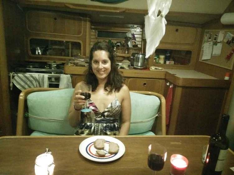 On trinque pour un repas d'anniversaire, pour fêter les 29 ans d'Anaïs sur Manwë.