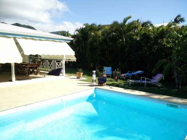 Maison et piscine de la famille de Damien à Deshaies.