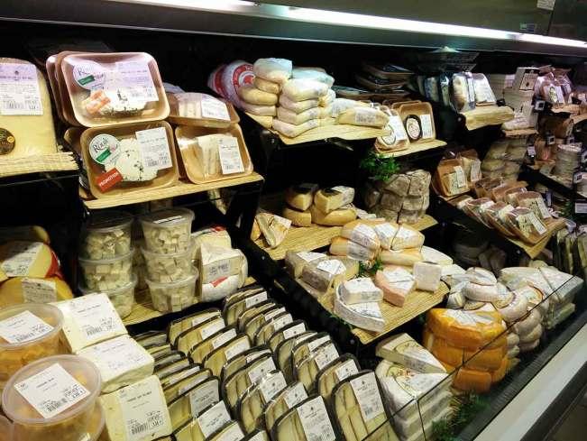 Rayon fromage au Super U de Saint Martin.