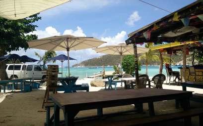 Le bar Foxy's sur l'île de Jost Van Dyke aux BVI.