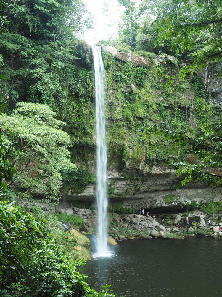 La grande cascade Misol-Ha non loin de Palenque, au Mexique.