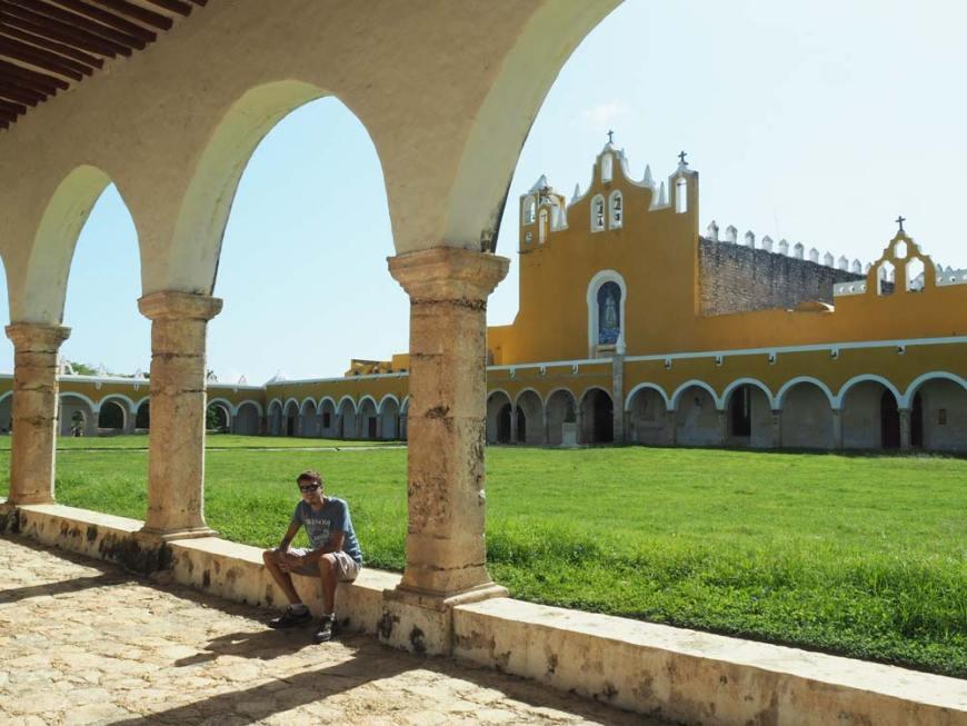 Dans la cour intérieure du couvent de Saint Antoine de Padoue à Izamal.