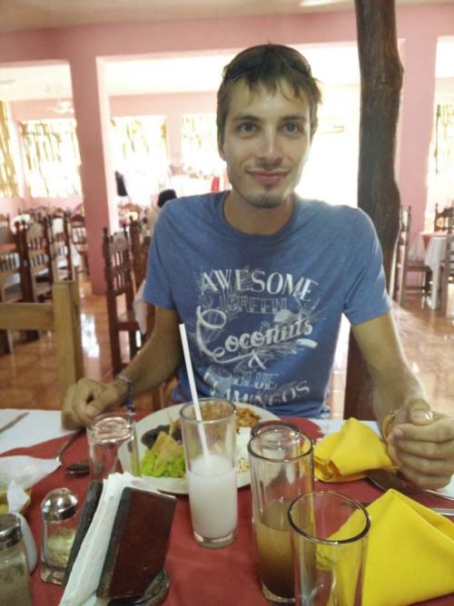 Au restaurant le midi pendant notre tour des haciendas.