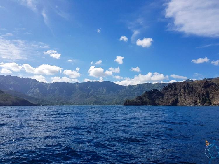 Entrée de la baie de Taiohae sur Nuku Hiva aux Marquises.