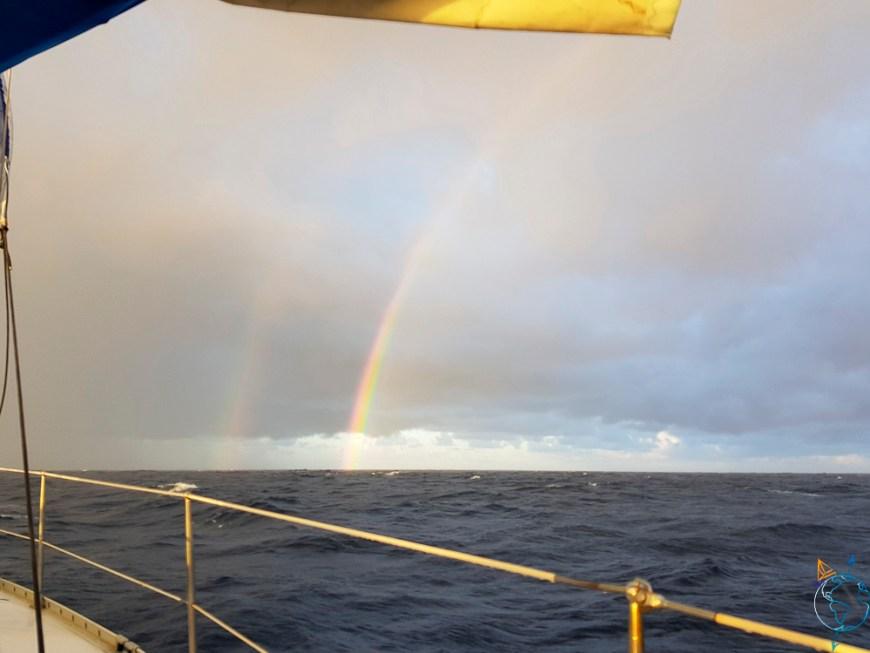 Arc-en-ciel en pleine mer, sur la route pour Raroia.