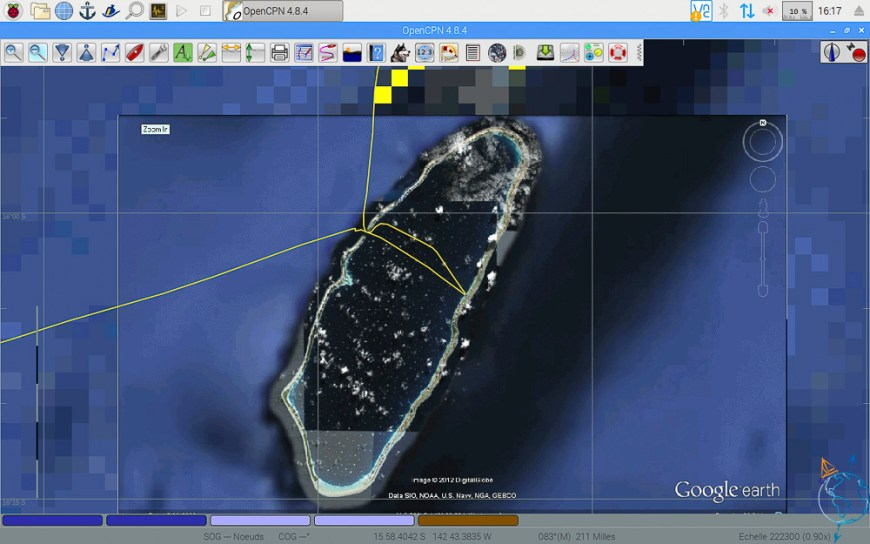 Vue satellite de l'atoll de Raroia aux Tuamotu.