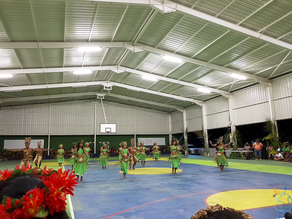 Danses traditionnelles lors du Heiva festival de Makemo, équipe Katiu.