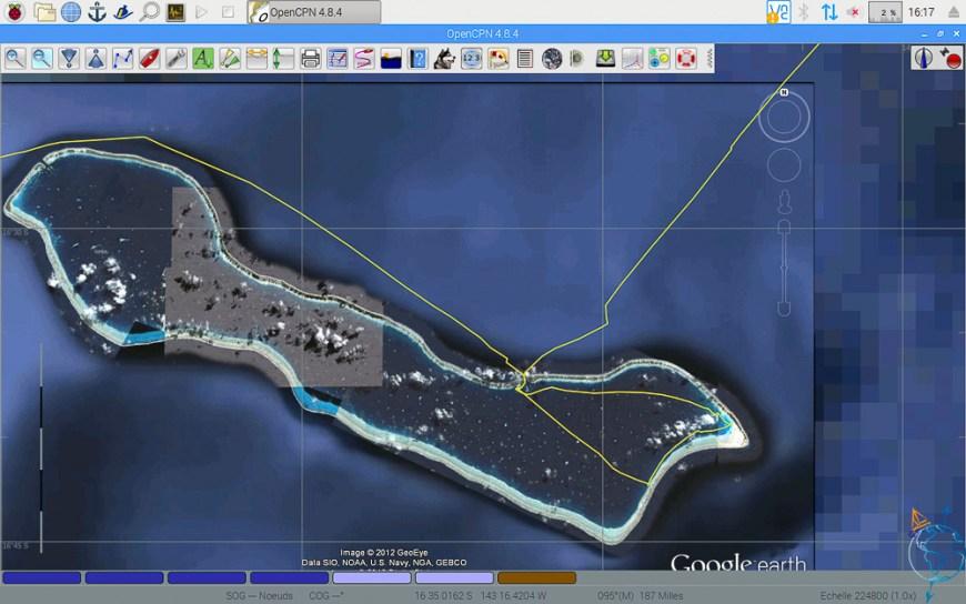 Vue satellite de l'atoll de Makemo aux Tuamotu.