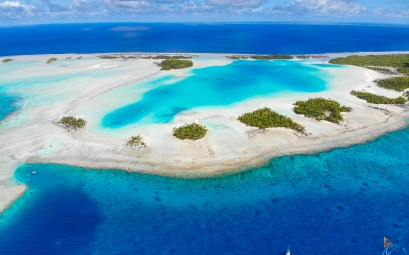 Le Lagon Bleu dans l'atoll de Rangiroa.