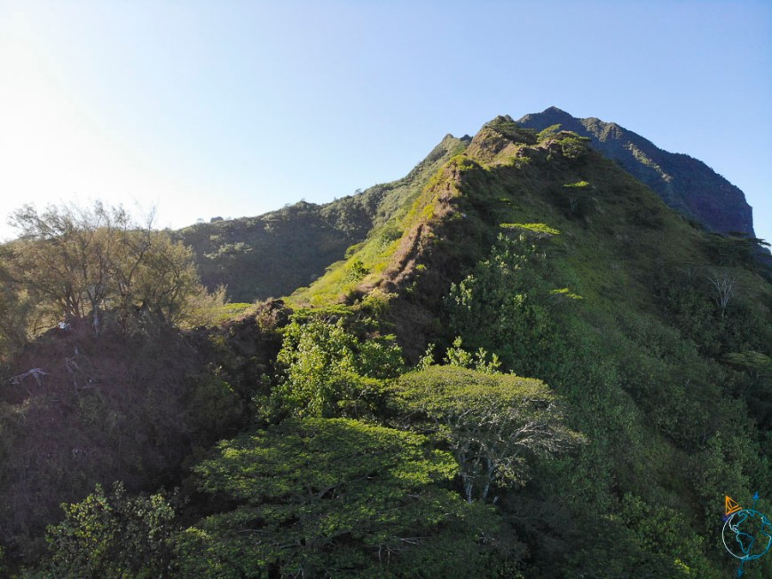 La crête pour monter au sommet du mont Rotui au nord de Moorea.
