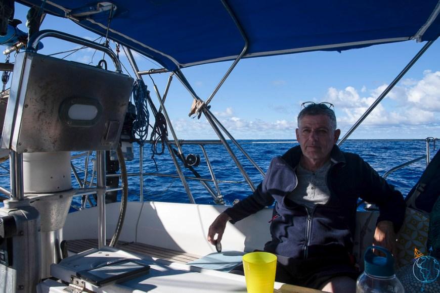 Arrivée un peu fatigué au petit matin, près de l'île de Huahine.