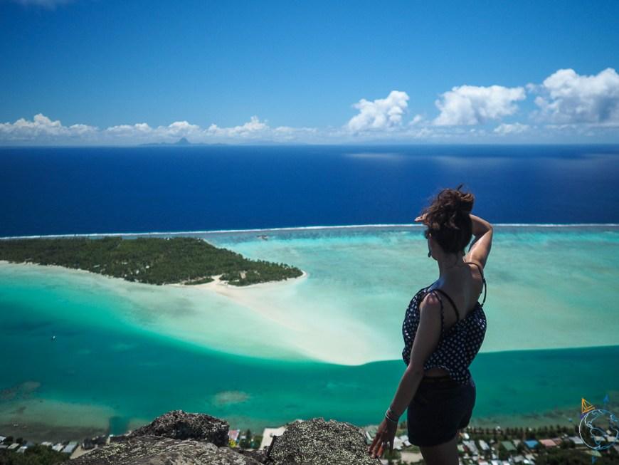 Vue vers l'est, avec Bora Bora et notre voilier en contrebas.