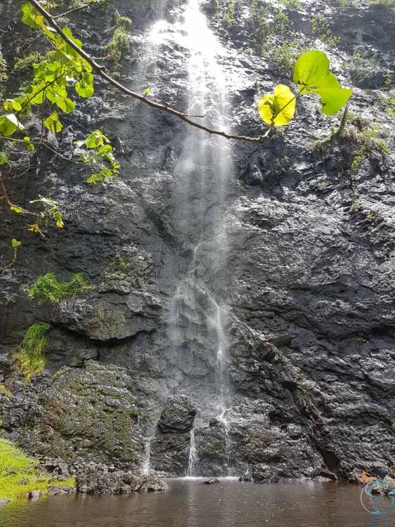 Une des cascades d'Afareaitu, sur la côte est de l'île de Moorea.