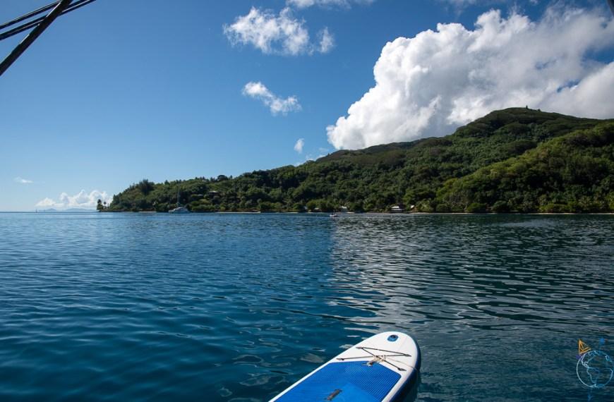 Paddle sur lagon à Huahine dans le mouillage de la baie d'Avea.