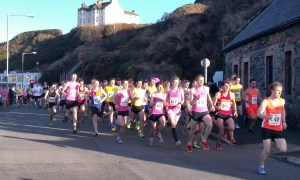 Port-Erin-10km-at-Isle-of-Man-Easter-Festival-of-Running-Credit-David-Lowes