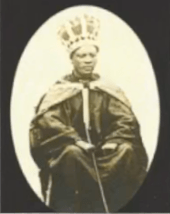 King Momolu wearing the Massaquoi crown at his coronation.